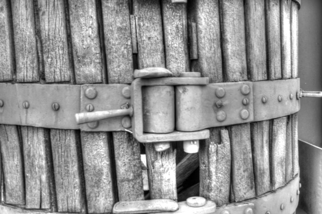 Bodega-cooperativa-de lecera-prensa-exterior